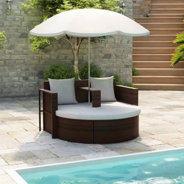 Barna polyrattan napozóágy napernyővel - utánvéttel vagy ingyenes szállítással